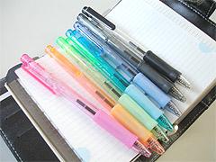 ボールペンのカラーバリエーション